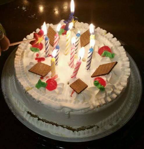 Vanilla milk cake, delicious